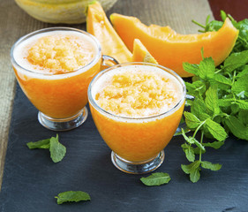 Melon smoothies with mint leaves
