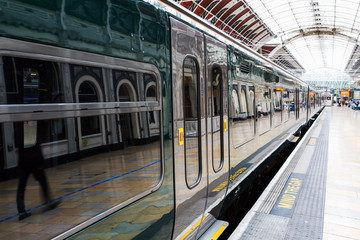 Printed kitchen splashbacks Train Station train at Paddington station in London