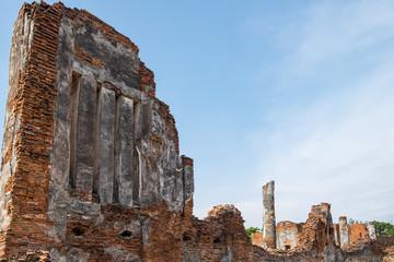 Temple ancient ruins place of worship famous at ayutthaya, thailand
