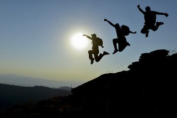 maceracı dağcı ekibi ve sıçrama keyfi