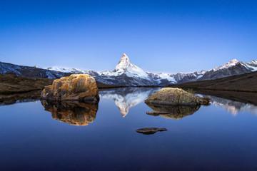 Wall Mural - Matterhorn und Stellisee in den Schweizer Alpen