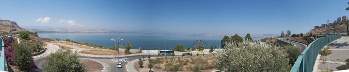 Israele: il lago di Tiberiade il 2 settembre 2015. Il lago di Tiberiade è il lago d'acqua dolce più basso della Terra
