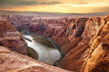 Deurstickers Canyon Colorado river deep canyon Horseshoe Bend, Southwest
