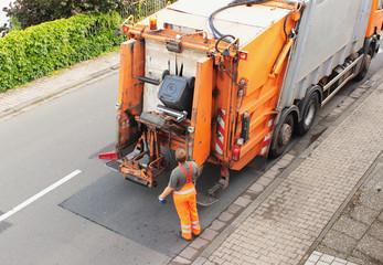 Müll, Biomüll wird abgefahren