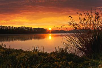 Printed kitchen splashbacks Lake Spring Sunrise on the pond