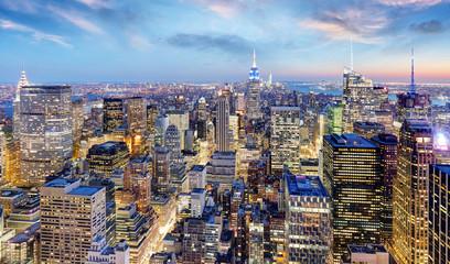 Wall Mural - New York city at night, Manhattan, USA