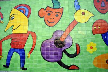Mosaikfliesen am Hafen in Cala Ratjada