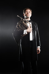 Photo sur Aluminium Musique Classical musician with french horn