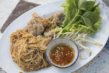 rice noodles with pork