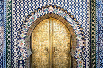 Foto op Canvas Marokko The entrance to the old Royal Palace in Fez (Fes), Morocco