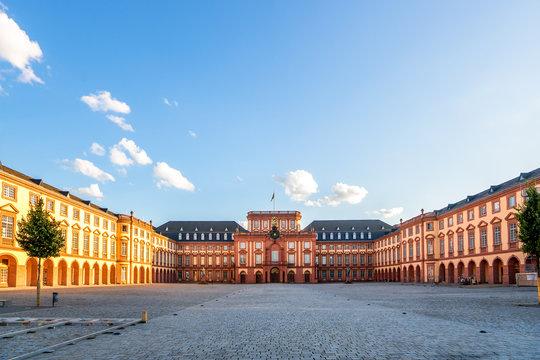 Mannheim, Schloss, Universität