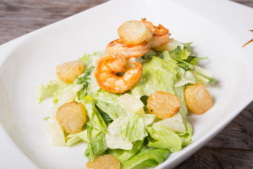 Seafood salad with shrimps and scullop