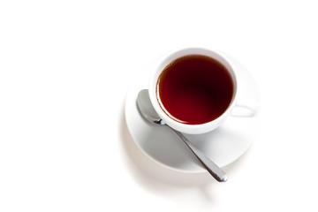 Белый чайник и чашка на белом фоне.
