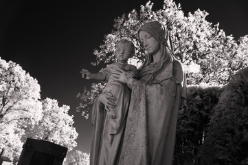 Infrared picture of the Virgin Mary carrying Baby Jesus