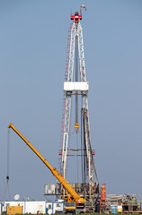 oil drilling rig and crane heavy machinery
