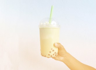 bubble tea drink in hand on dream.