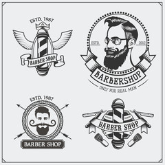 ŸSet of vintage Barber shop labels, badges, emblems and design elements.