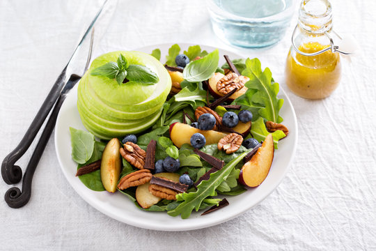 Fresh and healthy salad with vegetables