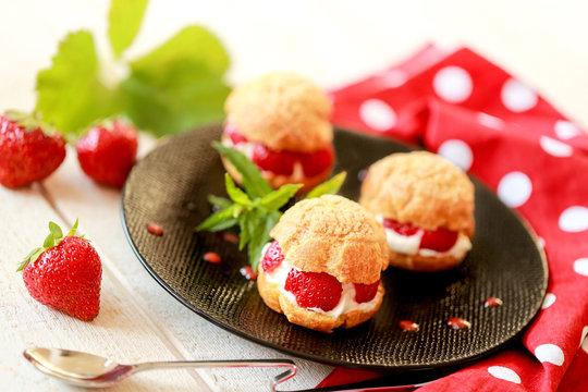 Choux à la crème fraise et mascarpone 1