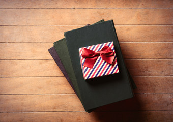 gift and books