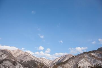 白川郷から見える雪山
