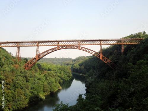 Il ponte di paderno imagens e fotos de stock royalty for Progettista di ponti online gratuito