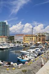 Морской порт, город Савона. Италия