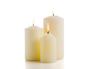 Drei weiße Kerzen