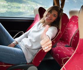 Donna in pullman che ama Viaggiare