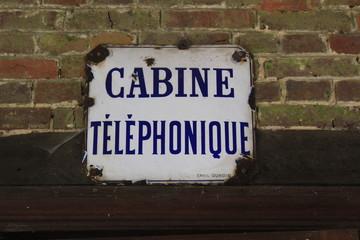 Cabine téléphonique - Village Oise