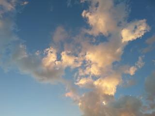 Wolken am Abend