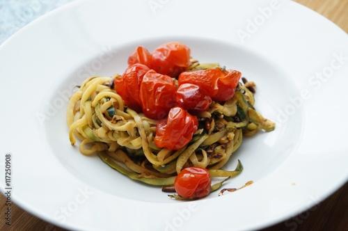zucchini spaghetti stockfotos und lizenzfreie bilder. Black Bedroom Furniture Sets. Home Design Ideas