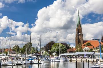 Poster Port Panorama von der Marina im Hafen von Schleswig