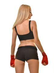belle femme avec des gants de boxe rouge