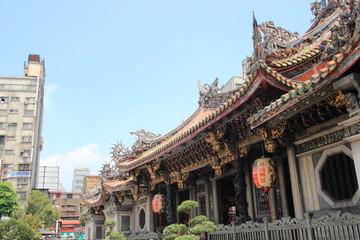 龍山寺の綺麗な外観