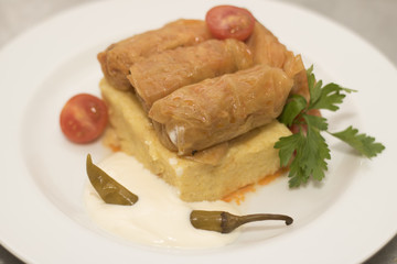 Stuffed cabbage leaves with polenta