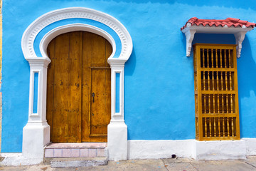 Fototapete - Light Blue Colonial Architecture