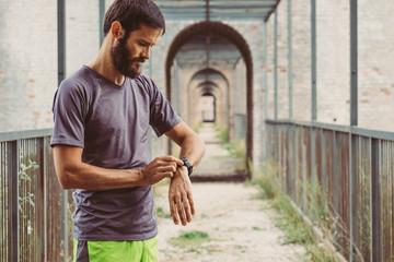 Wall Mural - Man ready to run