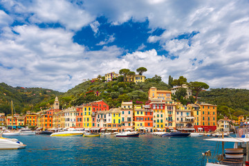 In de dag Liguria Panoramic view of picturesque harbour of Portofino fishing village on the Italian Riviera, Liguria, Italy.