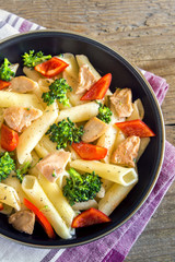 Penne pasta with chicken and vegetables