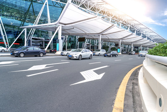 Road in front of Guangzhou Baiyun airport