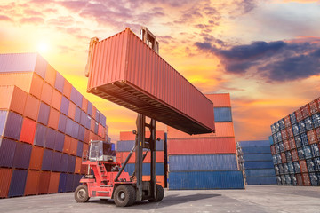 Fototapete - Industrial crane loading Containers in a Cargo freight ship