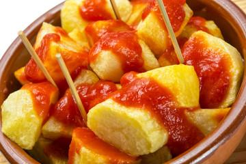 Patatas bravas al detalle