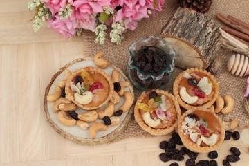 Mini almond nuts,fruit tart is delicious.