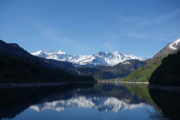 Morgenidylle am Lungernsee im Kanton Obwalden
