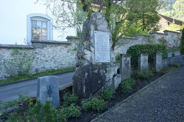 Soldatengräber auf dem Friedhof von Staans