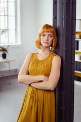 designerin in ihrem geschäft