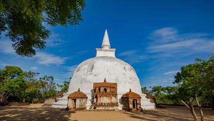 Kiri Vehera Dagoba in the Ancient City of Polonnaruwa, Sri Lanka, Asia.