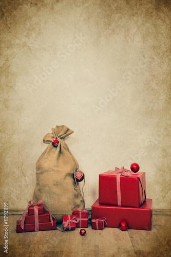 Vintage Bilder Weihnachten.Vintage Hintergrund Zu Weihnachten Mit Geschenken In Rot Verpackt Im