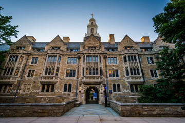 Wall Mural - The Davenport College Building at Yale University, in New Haven,
